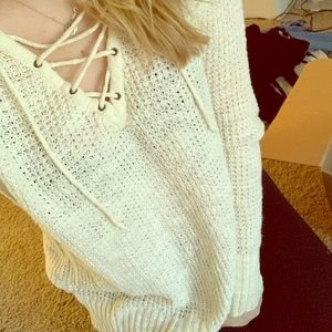 Lace up sweater 🤍